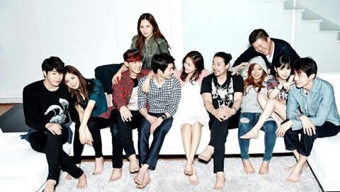 韓国版ルームメイト集合写真