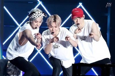 EXO-CBXのマジカルサーカス画像